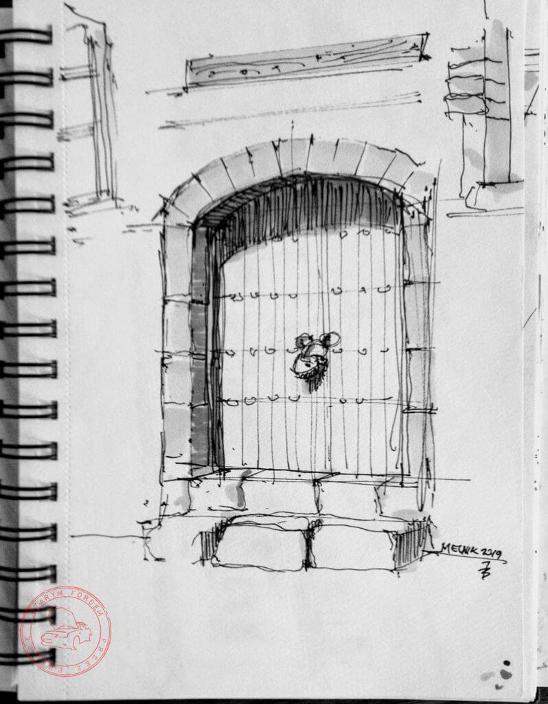 Drzwi kościoła w Melniku